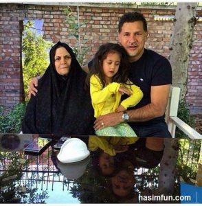عکس جدید علی دایی به همراه مادر و دخترش
