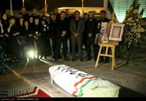 پیکر کیارستمی به ایران بازگشت + عکس