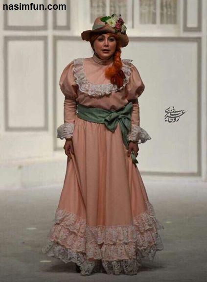 بهنوش بختیاری با موهای نارنجی رنگ در یک تئاتر!+عکس
