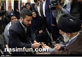 انگشتر خوش یمن مقام رهبری در دستان کیانوش رستمی!!+عکس