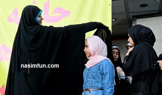 الهام چرخنده درحال با حجاب کردن دختران!!!! + عکس