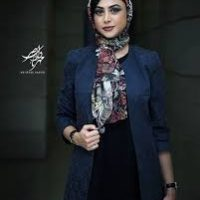 عکس جدید ودیدنی آزاده صمدی با شلوار پاره در یک کافه!!!+عکس