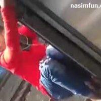 فیلم مرگ دردناک پسر جوان حین شیرین کاری بر روی قطار + دانلود فیلم