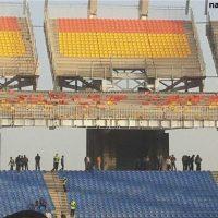 صندلیهای ورزشگاه نقشجهان اصفهان را باد برد!+عکس