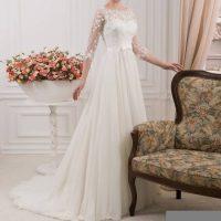 مدل های زیبا و جدید لباس عروس آستین دار + تصاویر