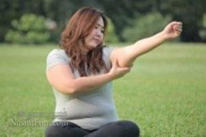 چگونه چربی های بازو هایمان را لاغر کنیم؟