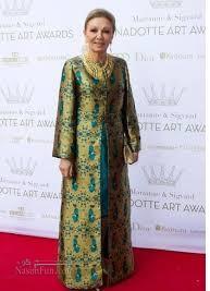 تصاویر نمایشگاه لباس های زیبا و رسمی فرح پهلوی در ایران