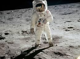 نخستین فضانوردان ناسا