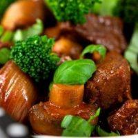 آموزش طرز تهیه خورشت کلم بروکلی با گوشت + فیلم