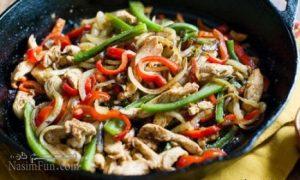 طرز تهیه خوراک مرغ و سبزیجات مجلسی به سه روش مختلف + فیلم آموزشی