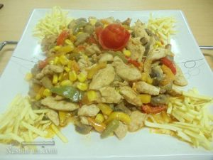 طرز تهیه خوراک مرغ و ذرت مکزیکی مجلسی و متفاوت + فیلم آموزشی