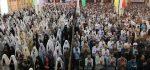 فاصله زن و مرد در نماز باید چقدر باشد ؟