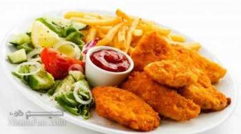 طرز تهیه خوراک شنیسل مرغ ساده و مجلسی با سس مخصوص + فیلم آموزشی