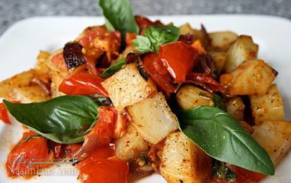 طرز تهیه خوراک سیب زمینی مجلسی با گوجه فرنگی و ریحان + فیلم آموزشی