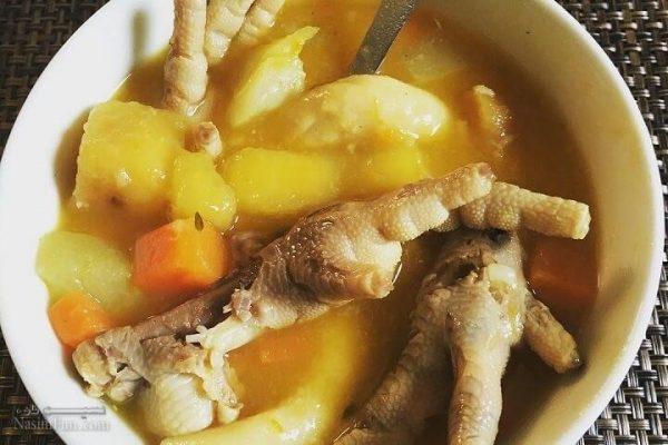 آموزش طرز تهیه سوپ پای مرغ پر خاصیت به دو روش + فیلم آموزشی