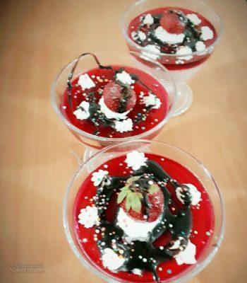 طرز تهیه دسر محلبی توت فرنگی لذیذ + تزیین