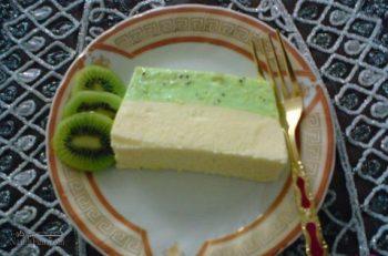طرز تهیه دسر باواریای کیوی لذیذ + تزیین