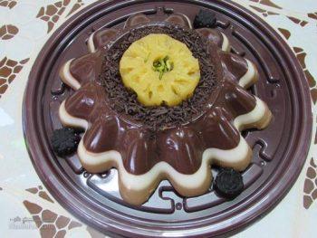طرز تهیه دسر آناناس شکلاتی خوشمزه + تزیین