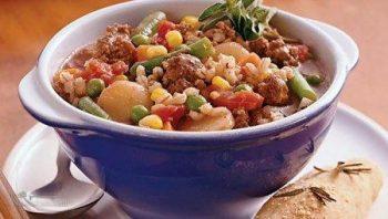 طرز تهیه خوراک گوشت و جو لذیذ و مجلسی