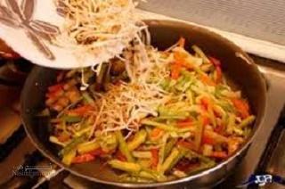طرز تهیه خوراک مرغ و سبزیجات قفقازی خوشمزه+ فیلم آموزشی