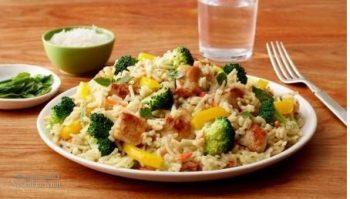 طرز تهیه خوراک مرغ و برنج رژیمی و مقوی