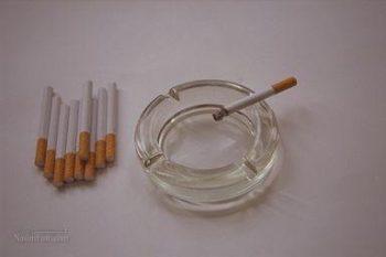 تعبیر خواب جاسیگاری - دیدن زیر سیگاری در خواب چه مفهومی دارد؟