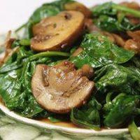 طرز تهیه خوراک اسفناج و قارچ چینی لذیذ و خوشمزه