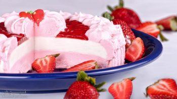 طرز تهیه بستنی توت فرنگی خوش طعم + تزیین