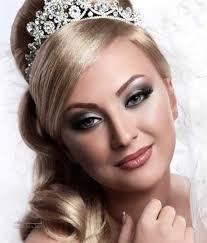 آرایش صورت افرادی که موی بلوند دارند