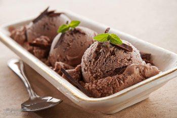 طرز تهیه بستنی شکلاتی خوشمزه و خنک