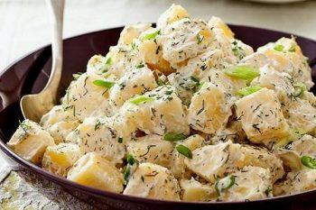 طرز تهیه خوراک سیب زمینی با سس آلفردو