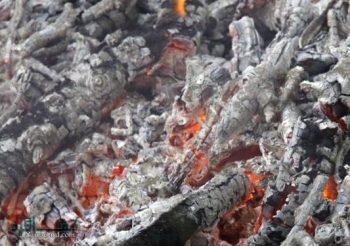 تعبیر خواب خاکستر - معنی دیدن خاکستر آتش در خواب چیست؟