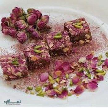 طرز تهیه مسقطی گل محمدی خوشمزه + تزیین