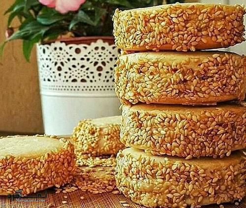 طرز تهیه کیک کنجد خوشمزه + تزیین