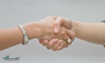 تعبیر خواب دست دادن - معنی دست دادن در خواب چیست؟