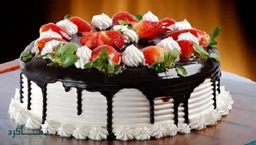 نحوه پخت کیک توت فرنگی شیک + فیلم آموزشی