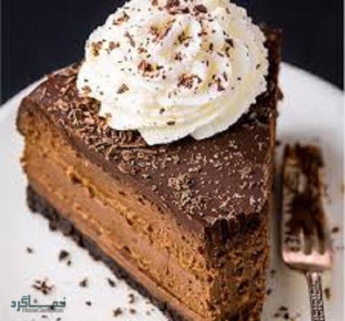 مراحل طرز پخت چیزکیک شکلاتی خوش طعم+ تزیین