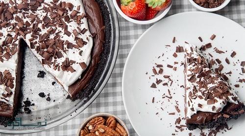 فیلم آموزشی نحوه پخت شیرینی پای شکلاتی شیک