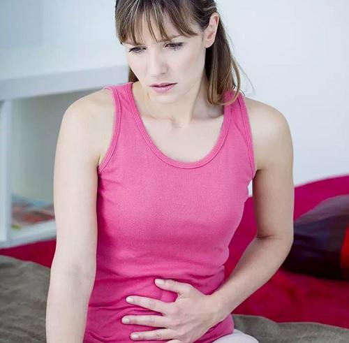 ۲۱ روش معجزه آسا درمان خانگی نفخ شکم و معده