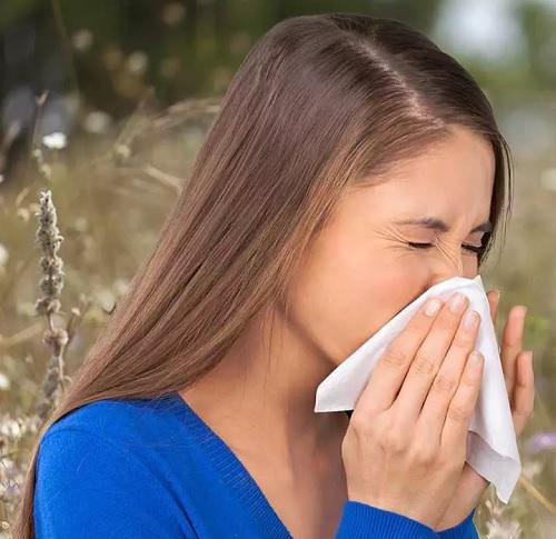 ۱۶ روش معجزه آسا خانگی برای درمان حساسیت به گرد و غبار