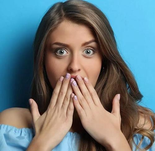 سکسکه چیست؟ | ۱۴ روش خارق العاده موثر خانگی درمان سکسکه