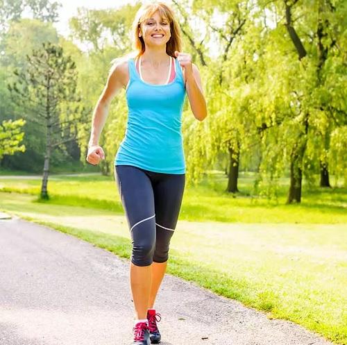 گردش خون ضعیف چیست؟ | ۱۷ روش خانگی موثر برای بهبود گردش خون