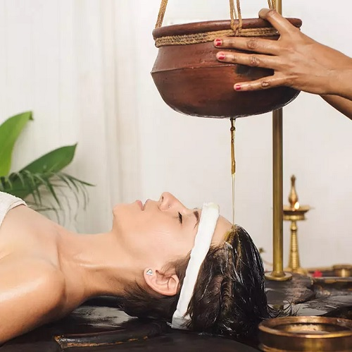 ۱۳ روش درمان جادویی با آیورودیک برای جلوگیری از ریزش مو
