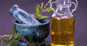 ۱۳ خاصیت بینظیر روغن ریحان برای پوست، مو و سلامتی