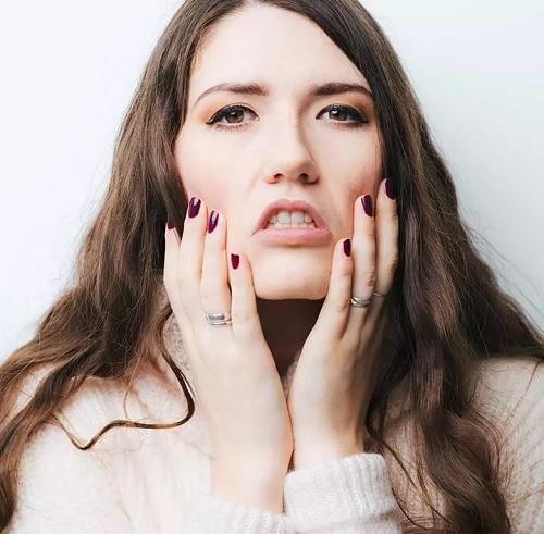 ۱۵ روش شگفت انگیز درمان پوسته شدن صورت