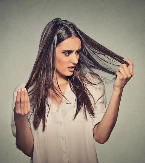 ۱۰ ماسک مو شگفت انگیز خانگی برای درمان ریزش مو